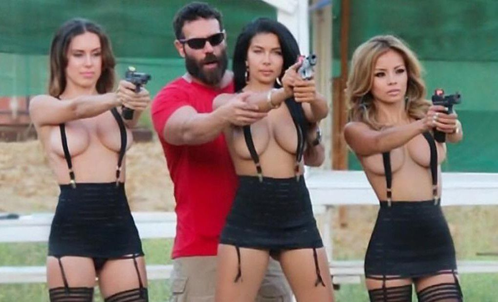 Photo of Dan Bilzerian vuelve al cine con Bruce Willis en «Extraction»